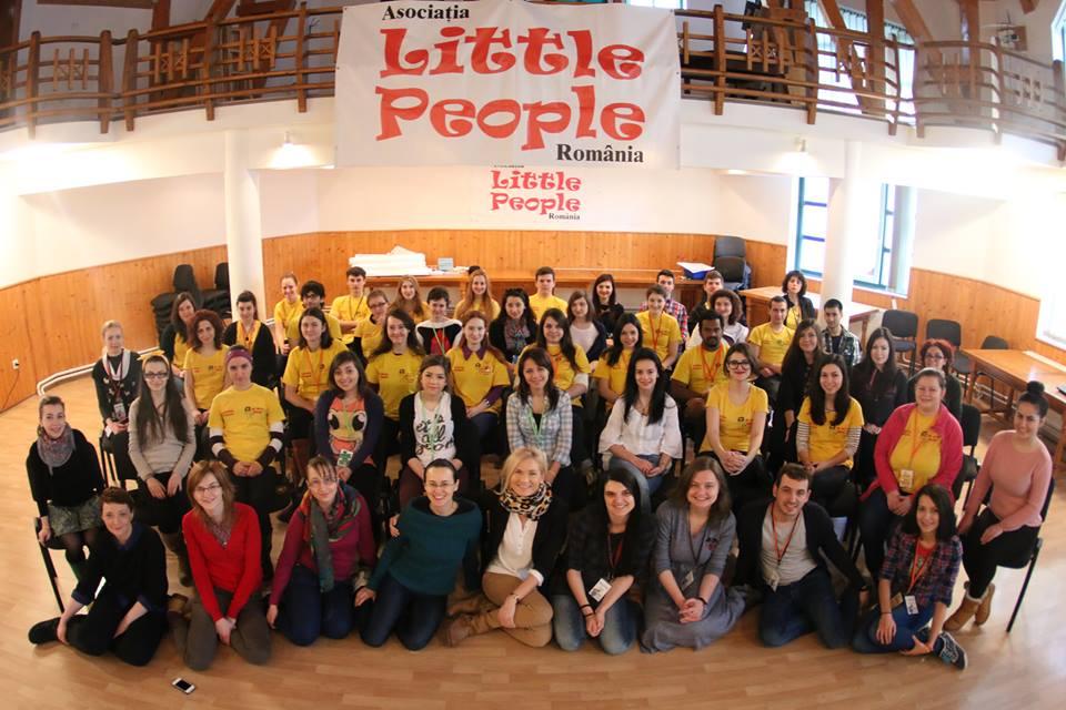 little people voluntar