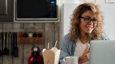 cum să comunici online eficient