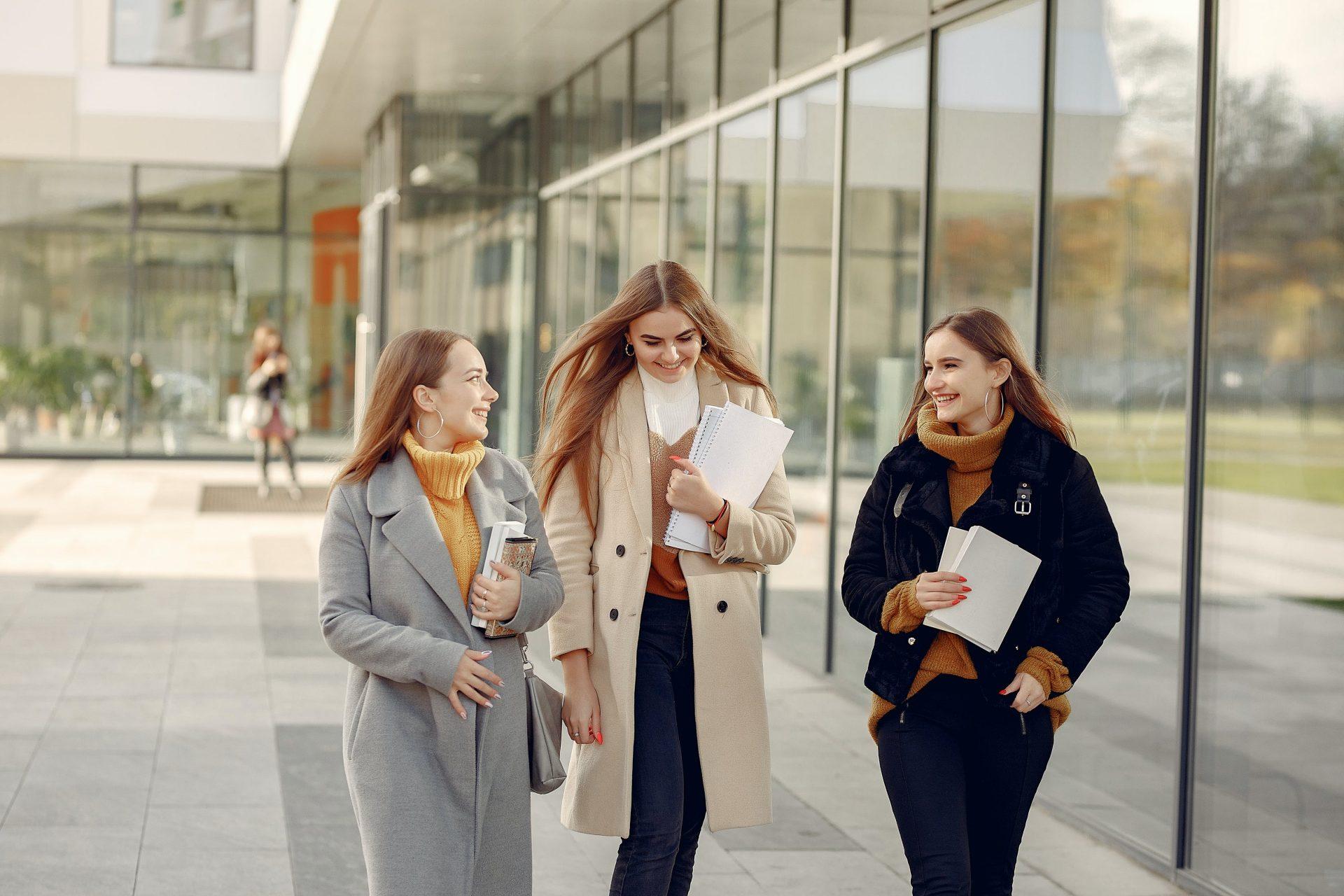 traininguri online pentru studenți