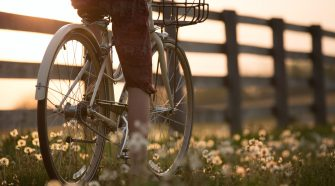 Biblioteca Municipală invită la o excursie pe biciclete