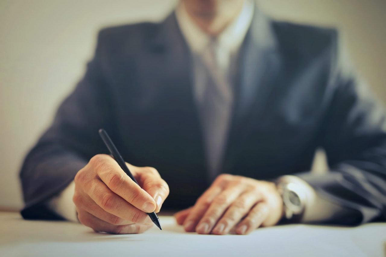 avocat stagiar oportunitate pentru tineri