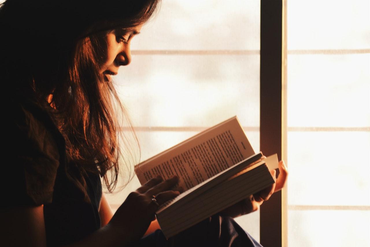 quiz online donează o carte