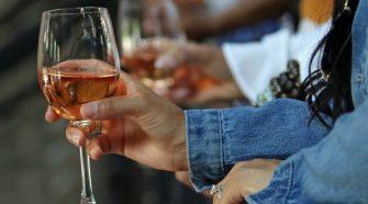 producători de vin din moldova